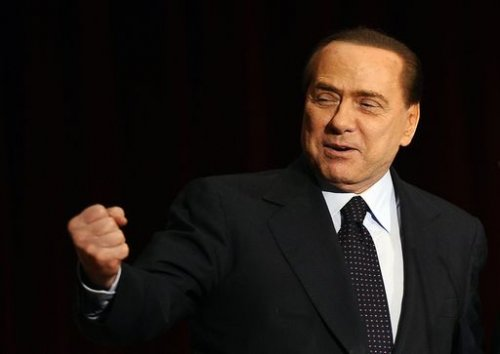 VIDEO CONFERENZA SILVIO BERLUSCONI SONO LESBICA